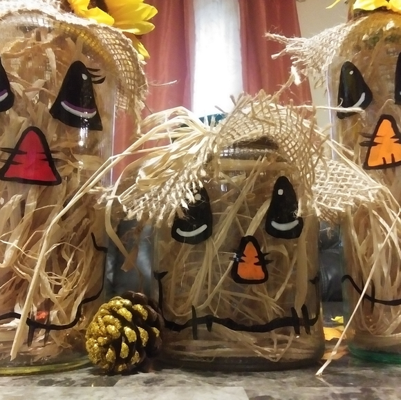 Family of 3 Scarecrows